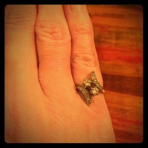Jewelry - Vintage 14K Soulmates Diamond Pinky Ring